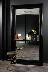 Miroir D Entrée : tr s grand miroir d 39 entr e avec tablette poser au sol cadre en bois peint la main laqu noir ~ Teatrodelosmanantiales.com Idées de Décoration