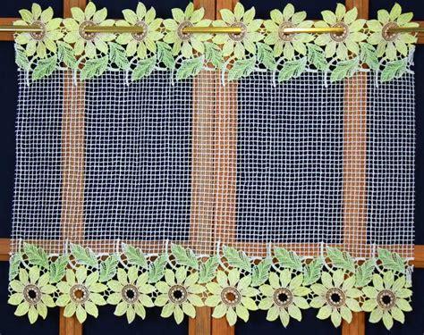 brise bise campagnard avec fleurs de tournesol