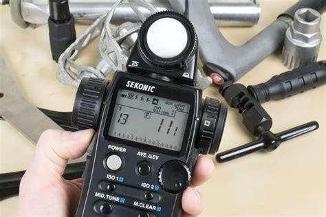 handheld light meter for photography how to use a hand held light meter to make perfectly