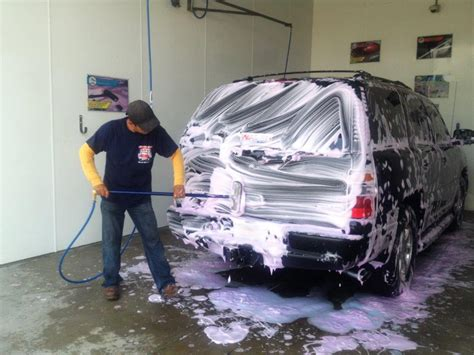 car wash service tips to keep your car clean without washing