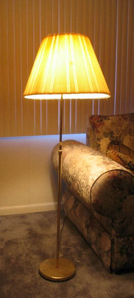 floor lamp wiktionary