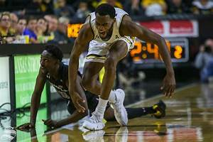 Shockers collapse in second half yet again – The Sunflower
