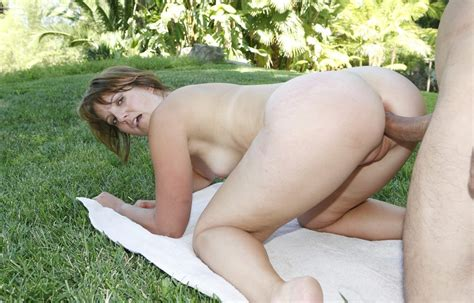 Mature And Hot Wife Fuck Doggystyle Free Hardcore