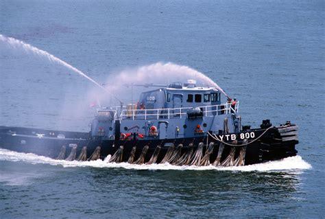 Uss Eufaula (ytb-800) Spraying Water.jpg