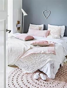 Parure De Lit Cocooning : d co chambre un coin nuit cocooning et cosy c t maison ~ Teatrodelosmanantiales.com Idées de Décoration