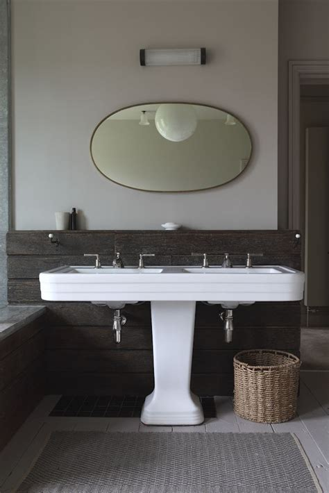 vasque de salle de bain avec signature porcelaine carrelage salle de bain