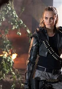 Cara Delevingne - Call of Duty 'Black Ops III' Trailer ...
