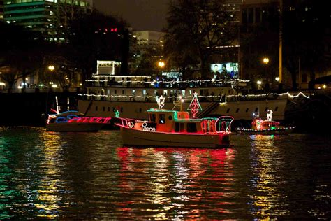 Chattanooga Boat Parade 2017 by The List Dec 16 18 Nw Magazine