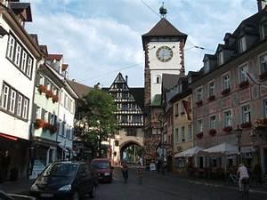 Markt De Freiburg Breisgau : bild stadttor zu fu g ngerzone freiburg in freiburg im breisgau ~ Orissabook.com Haus und Dekorationen