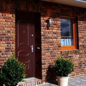Vchodové dveře do domu dvoukřídlé