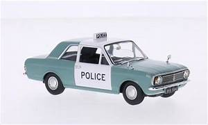 Ford Cortina miniature MkII 1300 De Luxe RHD Manchester & Salford Police Vanguards 1/43