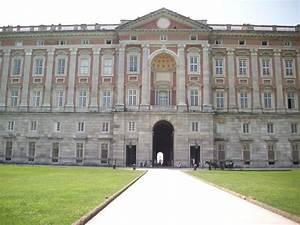 facciata posteriore Foto di La Reggia di Caserta