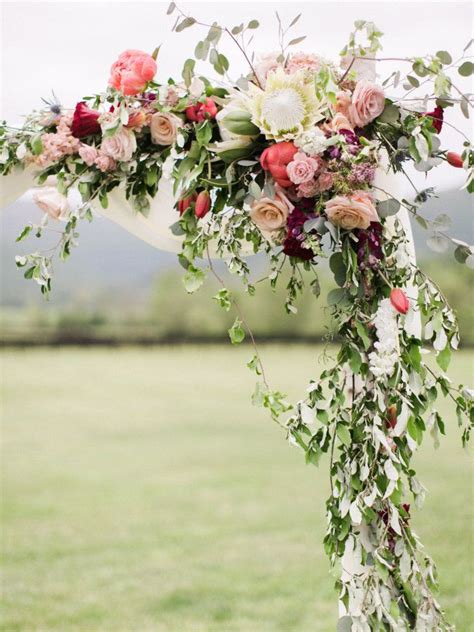 Colorful Rustic Chic Crimson Wedding Wedding Inspiration