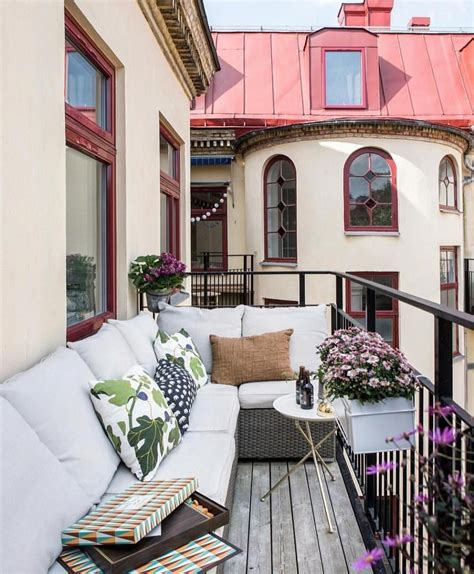 14+ Small Apartment Balcony Ideas with Pictures futurian