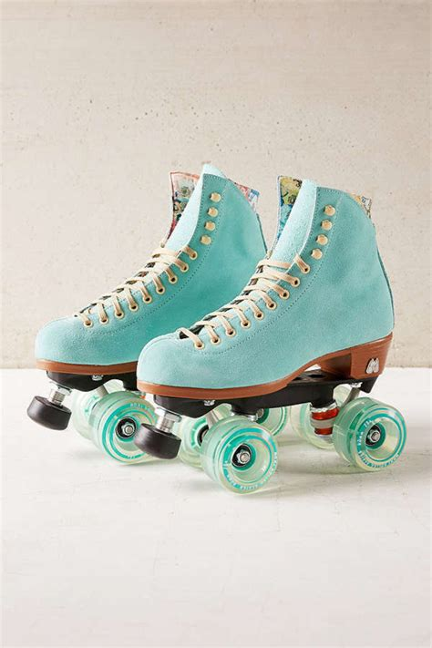 roller skating outfit  style wheretoget