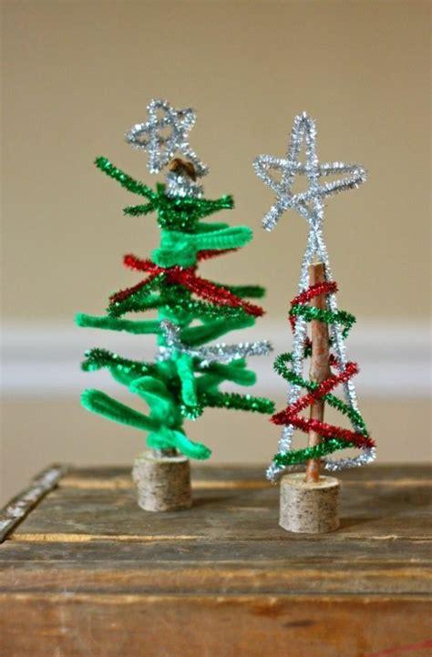 mini weihnachtsbaum basteln 35 ideen f 252 r weihnachtsdeko selber basteln mit pfeifenputzer