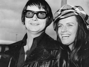 wife dies  anniversary  legend roy orbisons death