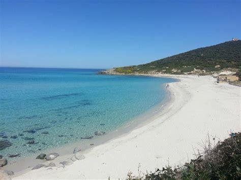 chambre d hote ile rousse corse chemin entre plage bodri et la plage ghuinchitu photo de