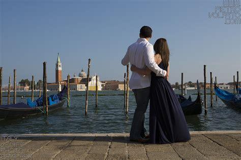 photographer  venice romantic vacation photo shoot