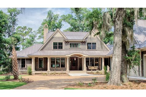 country home plans traditional low country design hwbdo77021 low country from builderhouseplans com