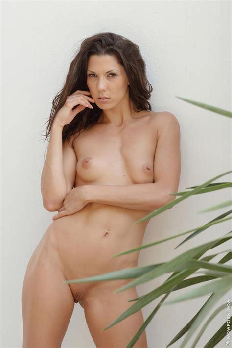 erocurves alexa tomas tight naked brunette on
