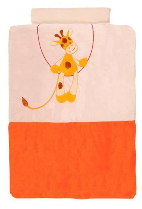 housse de couette girafe nattou housse de couette jungle girafe orange