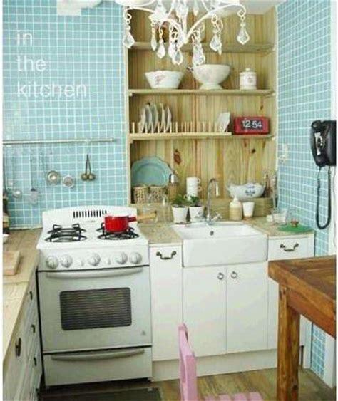 small apartment kitchen decorating ideas small kitchen decorating ideas on a budget