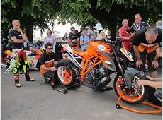 Jeremy McWilliams riding Ascari with KTM 1290 Super Duke R
