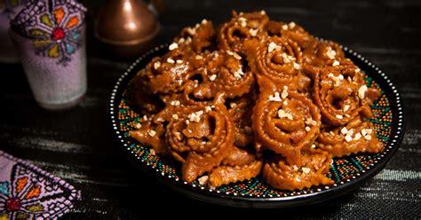 cuisine marocaine patisserie chebakia aux amandes recette par culinaireamoula
