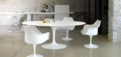 chaise pied tulipe the bloom that doesn 39 t fade saarinen 39 s tulip table and chairs