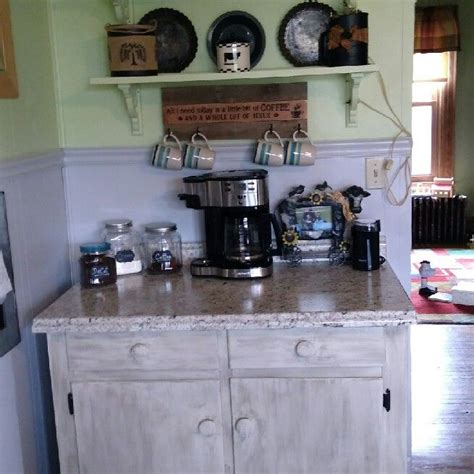 Diy coffee bar from sincerely, marie designs 06 of 11 home coffee bar ideas reflect the personality and genuine design, something a generic cafe doesn't have. Farmhouse Coffee Station Ideas - Farm Style Coffee Bar Ideas & Pictures For Your Home