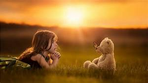 Child Girl With Teddy Bear HD Wallpaper - StylishHDWallpapers