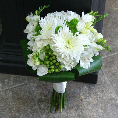white  lime green wedding bouquet  flowers ottawa