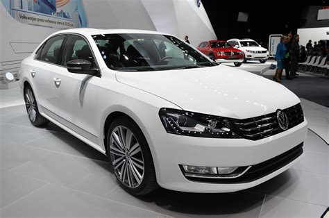 volkswagen shows  performance ish passat concept autoblog