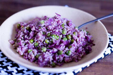 Kvinoja z grahom in rdečim zeljem | SKETA.si