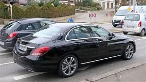 Mercedes Classe C Restylée 2018 : photos espion embarquez bord de la mercedes classe c restyl e 2017 ~ Maxctalentgroup.com Avis de Voitures