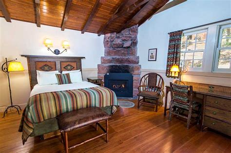 cabins zion lodge national park hotel accommodations cabin lodging suites rooms utah parks springdale listings