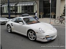 Porsche 911 spotted in Toronto, Canada on 04282012, photo 2
