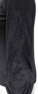 ELIE TAHARI Black GABRIELLA Extra Fine Merino Wool