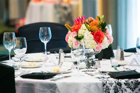 Simple elegant table settings and decor (With images