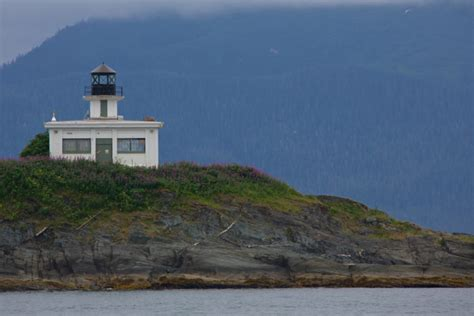 what state has the most lighthouses this map shows you where to find the most picturesque lighthouses in alaska