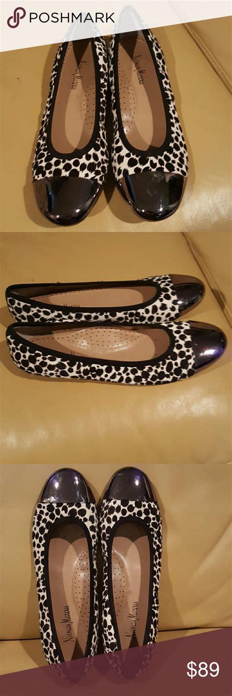 foto de Neiman Marcus Ballerina Dull Shoes Brandnew Neiman Marcus