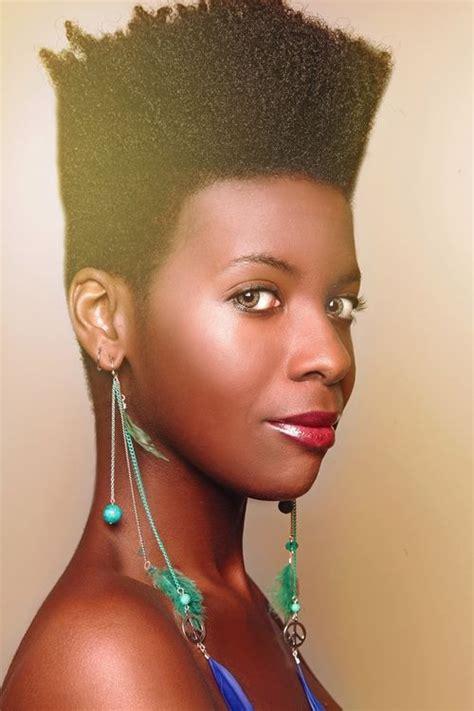 la moda en tu cabello pelo corto pixie  mujeres