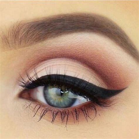 green eyeliner  ideas  eye liner  green eyes modern fashion blog