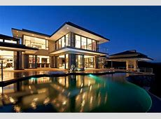 Modern and Magnificent House by Wessels Joyce Associates