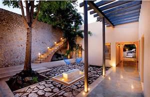 5 Grandes ventajas de una Casa con Patio Interior que harán tu casa más confortable AboutHaus