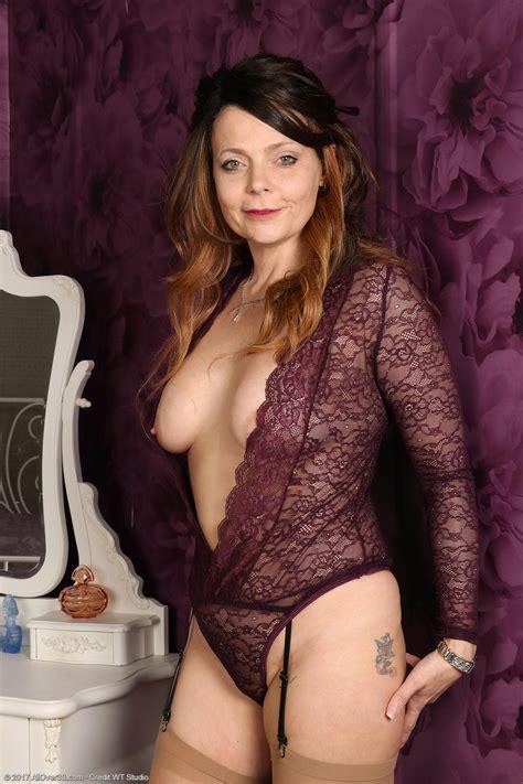Gemma Gold Milf in Nylon Stockings