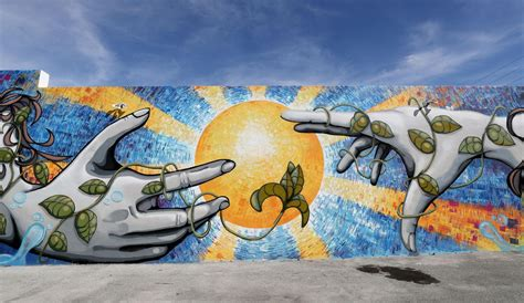 wynwood hollywoods murals  turning heads