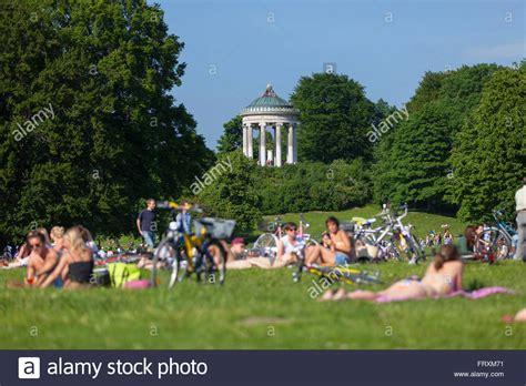 Monopteros München Englischer Garten by Summer In The Garden With Monopteros Englischer