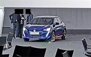 Rappel Constructeur Peugeot 208 : renault clio 5 contre peugeot 208 2 le match de l ann e 2019 l 39 automobile magazine ~ Maxctalentgroup.com Avis de Voitures